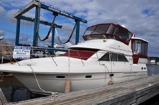 1996 Cruisers 3650 Aft Cabin Motor Yacht