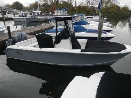 2016 Sea Hunt 211 Ultra