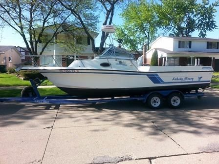 1993 Celebrity 2500 Fish Hawk Power Boat For Sale Www