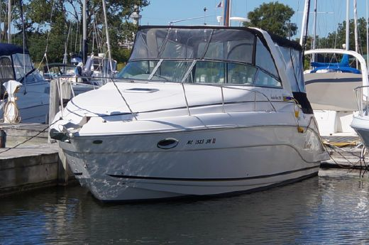 2004 Rinker 290 Express Cruiser