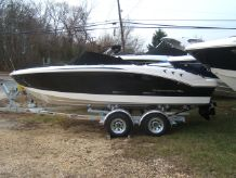 2015 Chaparral 21 H2O Bow Rider