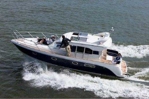 2016 Aquador 32C CABIN