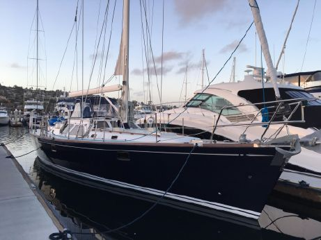 2000 Hylas 54 Raised Salon