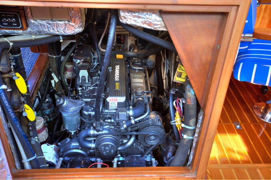Hylas 54 Raised Saloon Sailboat Engine
