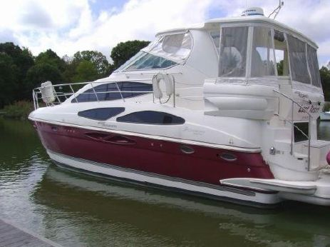 2005 Cruisers Yachts Aft Cabin Express