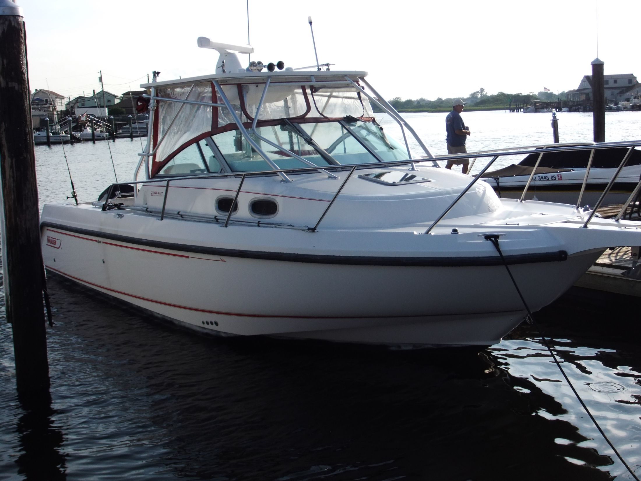 28 ft 2001 boston whaler 285 conquest wa (srg)
