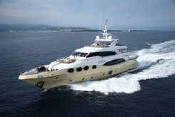 2010 Majesty Yachts 125
