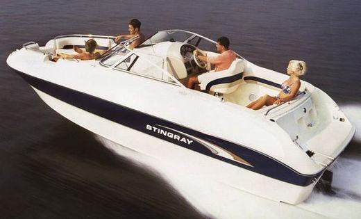 2001 Stingray 220 DS