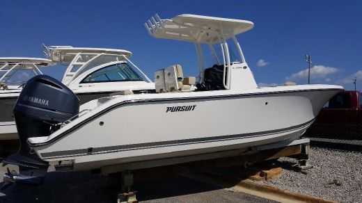 2017 Pursuit 238 Center Console