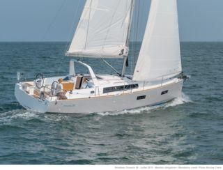 2014 Beneteau Oceanis 38