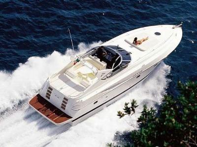 ... splendido yacht e al tempo stesso una divertente barca sportiva,.
