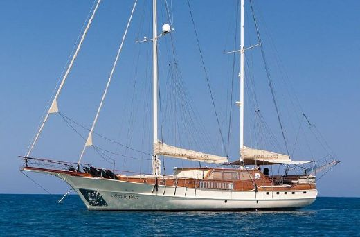 2006 30 M 2 Engines Ketch