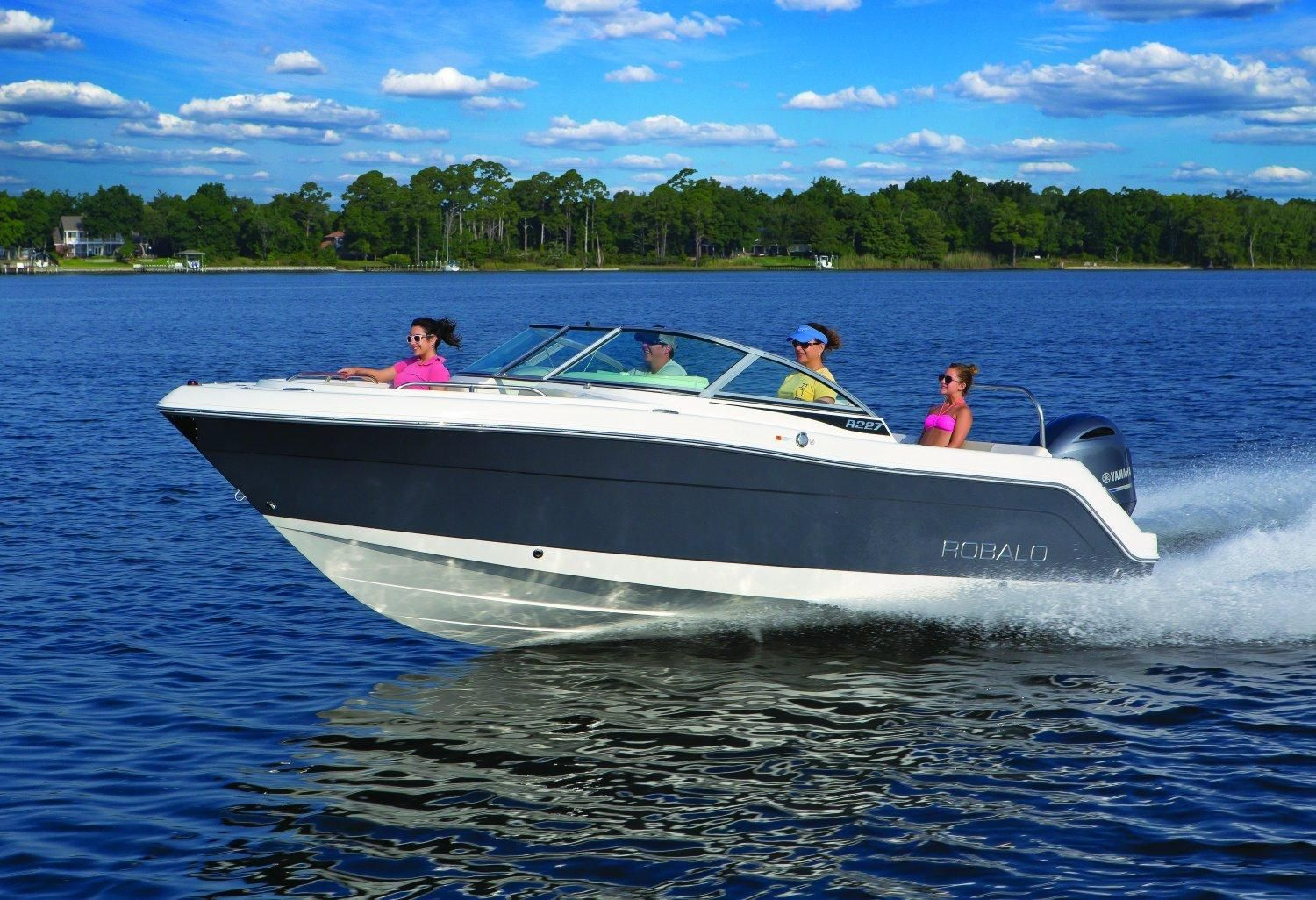2017 robalo r227 dual console 2017 power boat for sale for Fishing boat dealers near me