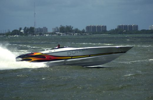 2009 Donzi 43 ZR