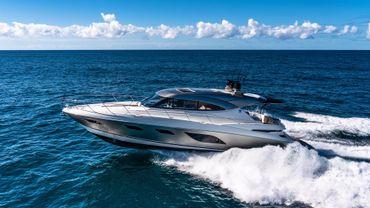 2020 Riviera 6000 Sport Yacht