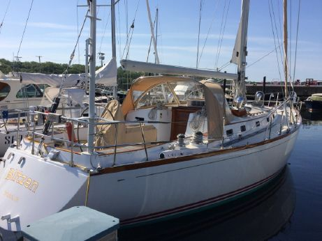 1983 Little Harbor 44