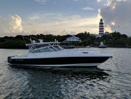 2015 Intrepid Sport Yacht