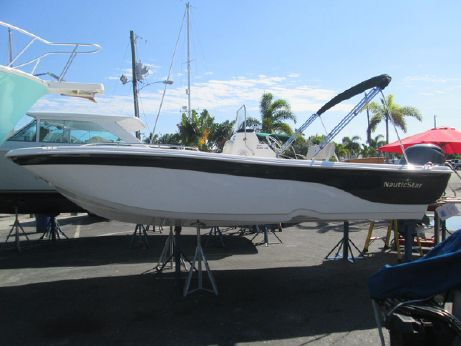 2015 Nautic Star 210 Angler