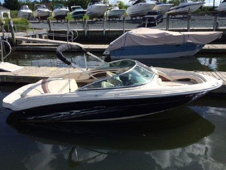 2005 Sea Ray 200 Select