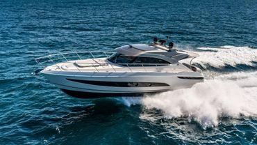 2020 Riviera 4800 Sport Yacht Series II Platinum Edition