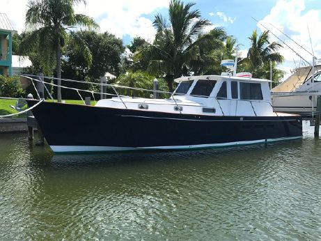 1999 Legacy Yachts 40 Express All Glass No Canvas