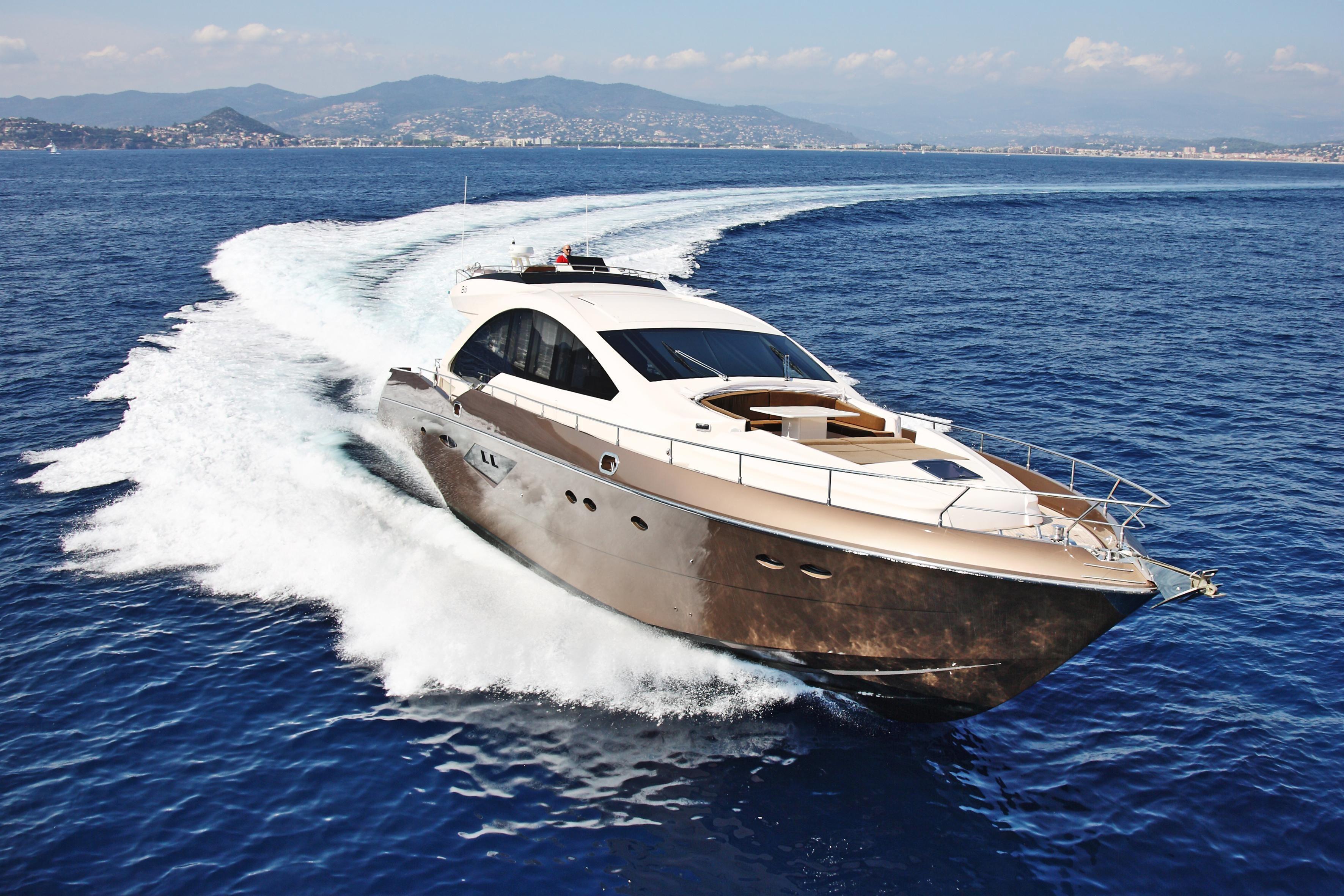 2011 Queens yacht sport yacht 86 Power Boat For Sale - www ...