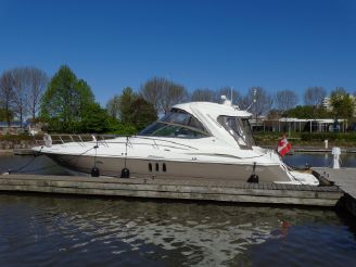 2008 Cruisers Yachts 420 Express IPS Diesel