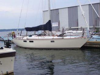 1980 Pearson Centerboard Sloop   Freshwater Boat