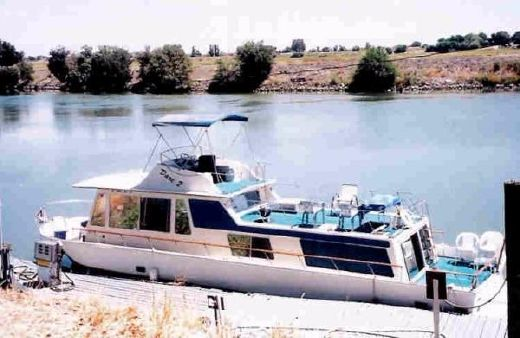 1972 Boatel Houseboat