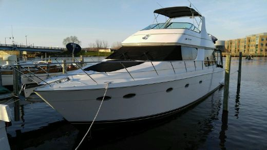 1998 Carver 53 Voyager w 610HP Volvos!