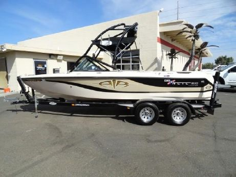 2003 Correct Craft Super Air Nautique 210 Limited