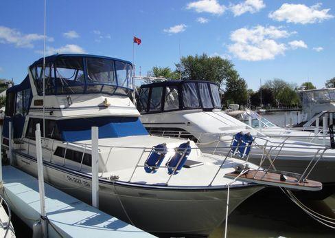 1989 Marinette 37 Motor Yacht