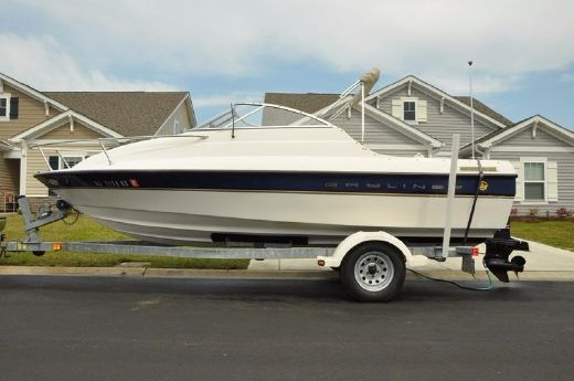 2003 Bayliner 192 Capri Cuddy
