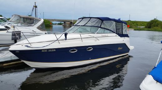 2003 Rinker 270 Express Cruiser