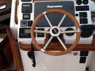 thumbnail photo 0: 2015 Hunt Yachts Surfhunter 29