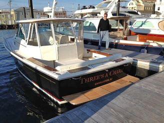 thumbnail photo 2: 2015 Hunt Yachts Surfhunter 29