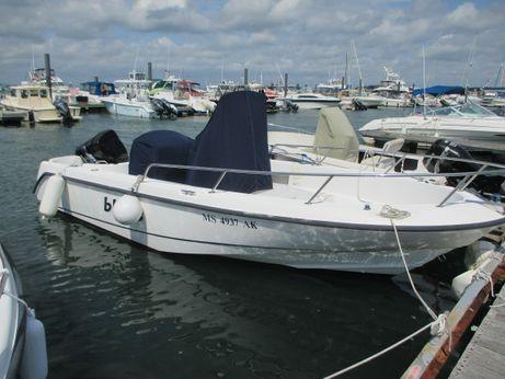 2004 Boston Whaler OUTRAGE