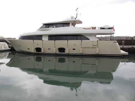 2010 Ferretti Yachts Navetta 26