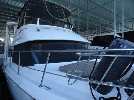 2000 Carver Yachts Yachts 404 Cockpit Motor Yacht