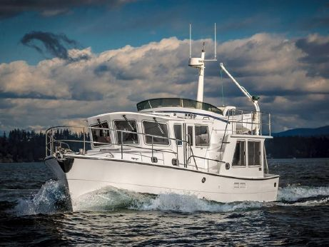 2015 Helmsman Trawlers 38 Pilothouse