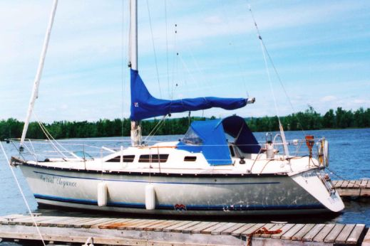 1987 Mirage 29 Sloop