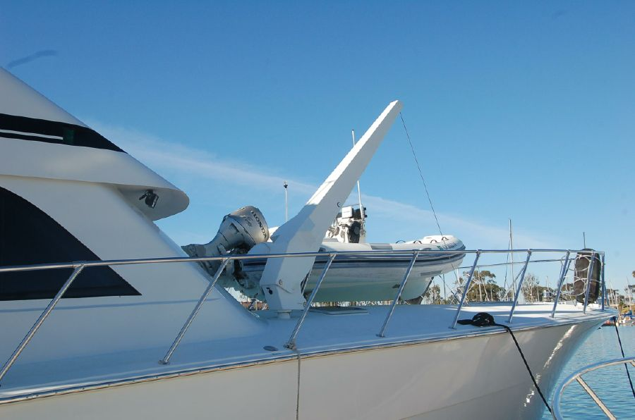 photo of 65' Hatteras Sportfish Enclosed Bridge