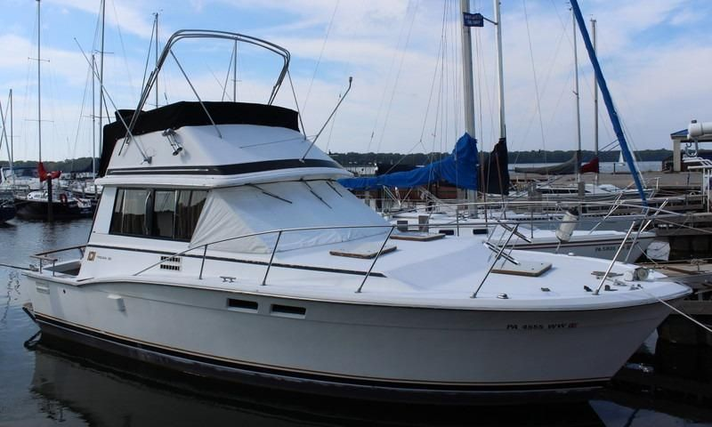 1981 Trojan F 32 Power Boat For Sale Www Yachtworld Com