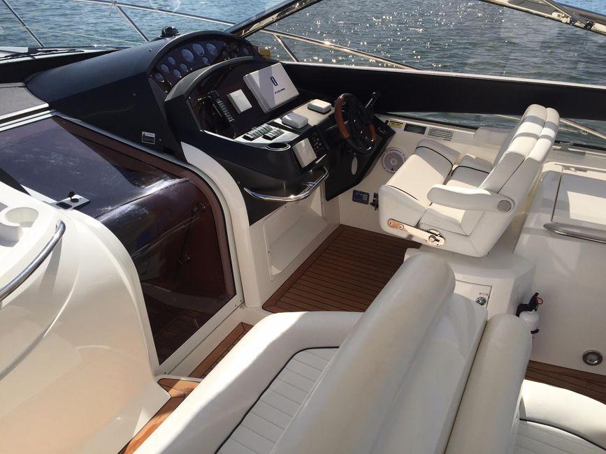 Sunseeker 53 Portofino Yacht Helm Seats