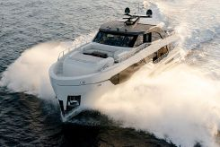 2019 Ocean Alexander 90R Motoryacht Enclosed Bridge