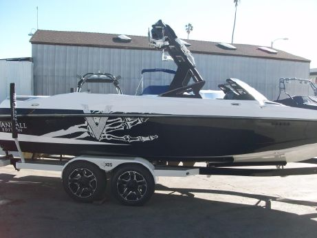 2016 Axis A24 Vandall Edition
