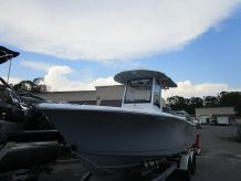 2018 Sea Hunt Ultra 255 SE