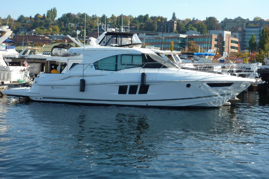 2019 Cruisers Yachts 45 Cantius Power Boat For Sale - www yachtworld com