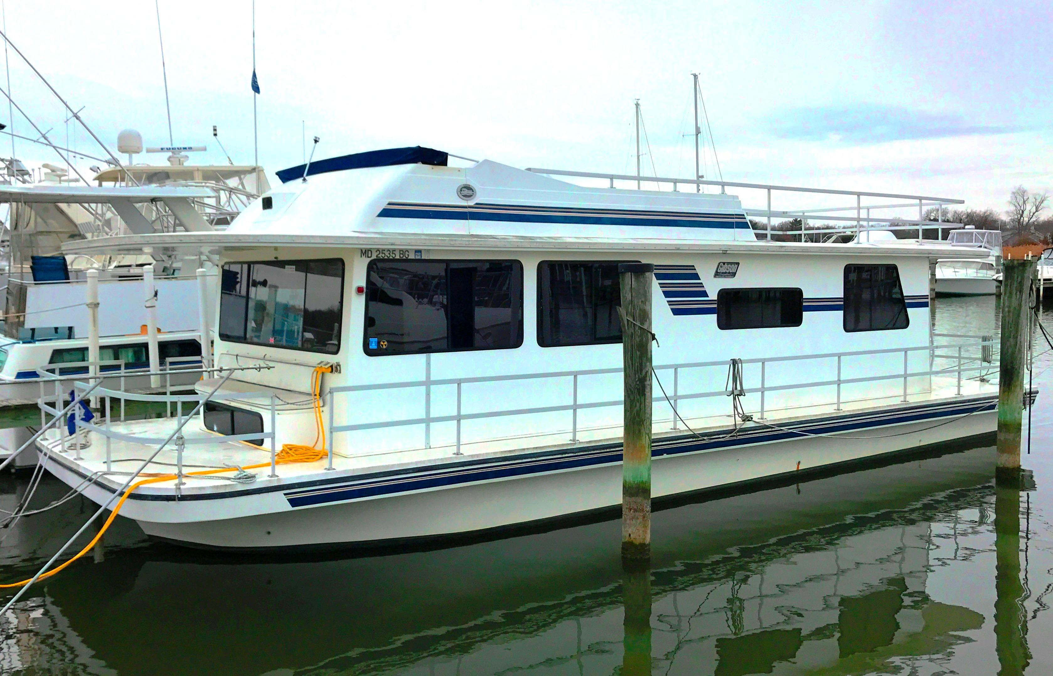2003 Gibson 44 Executive Diesel Houseboat Power Boat For