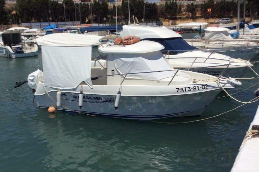 2002 Quicksilver 560 Pilothouse